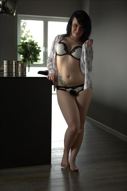 Kimberlykay in sexy Waesche